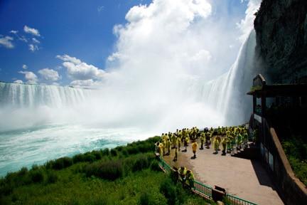 journey behind the falls at niagara falls