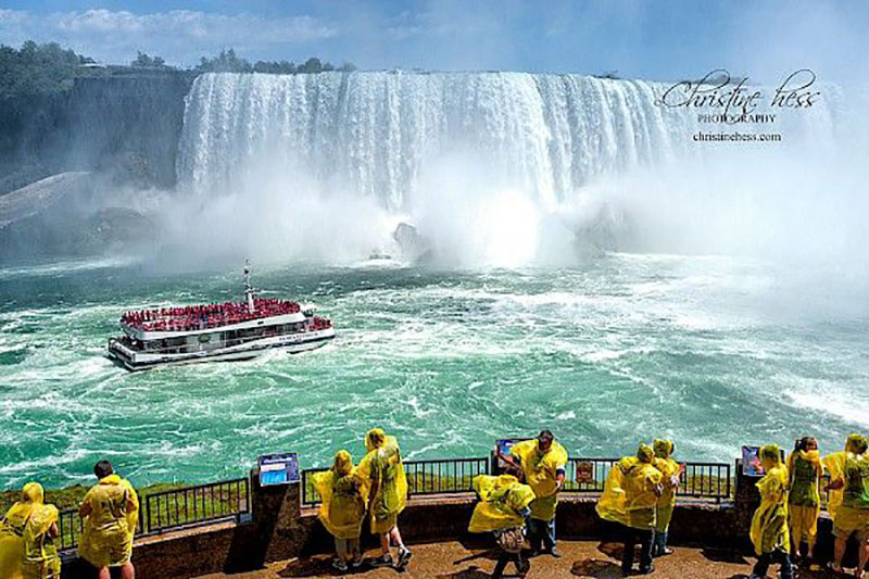 christine-hess-hornblower-and-horseshoe-falls-niagara-falls-on